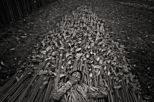 Munem_Wasif_-_Jute_mill_workers